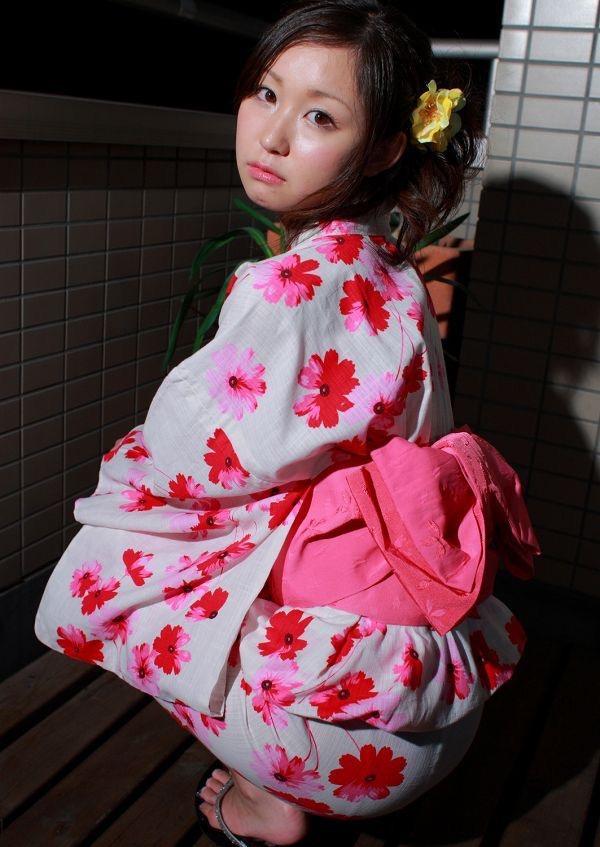 【石川優実グラビア画像】可愛らしい顔してエッチな格好しまくってるギャップがエロいわwwww 14