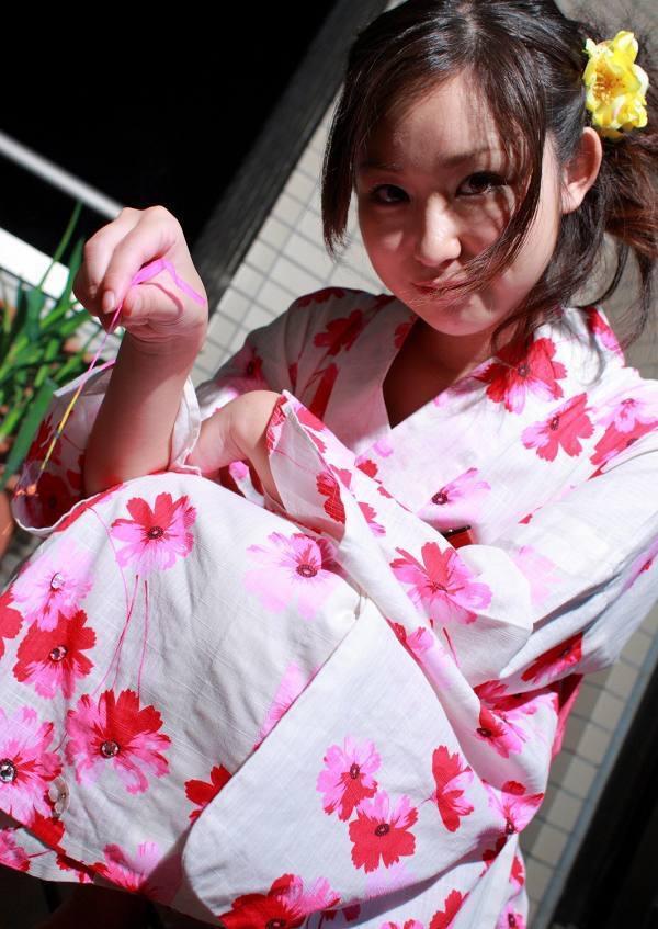 【石川優実グラビア画像】可愛らしい顔してエッチな格好しまくってるギャップがエロいわwwww 15