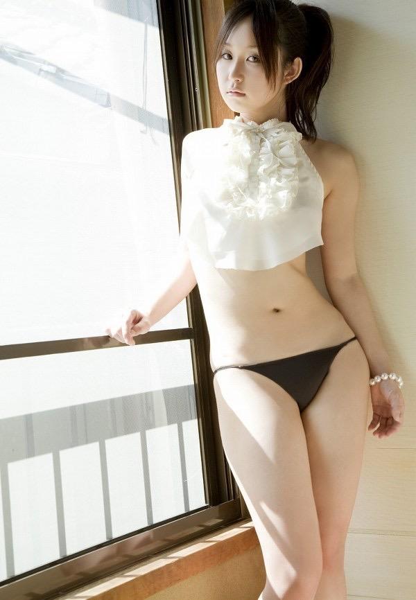 【石川優実グラビア画像】可愛らしい顔してエッチな格好しまくってるギャップがエロいわwwww 59