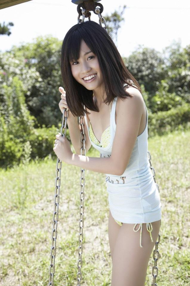 【前田敦子グラビア画像】女優業に意欲を見せている元AKB48アイドルが披露した現役時代の水着姿 12