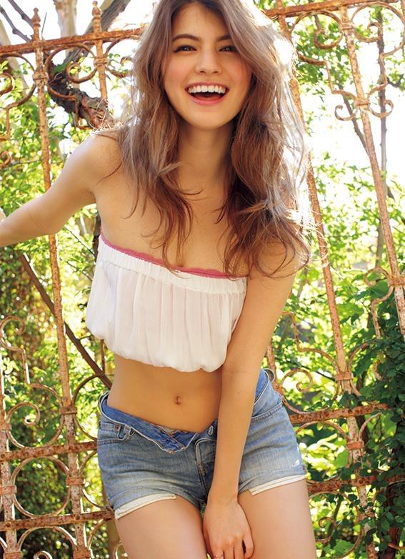 【マギーグラビア画像】高身長でスタイル抜群なハーフ美人モデルのセクシーなランジェリー姿 12