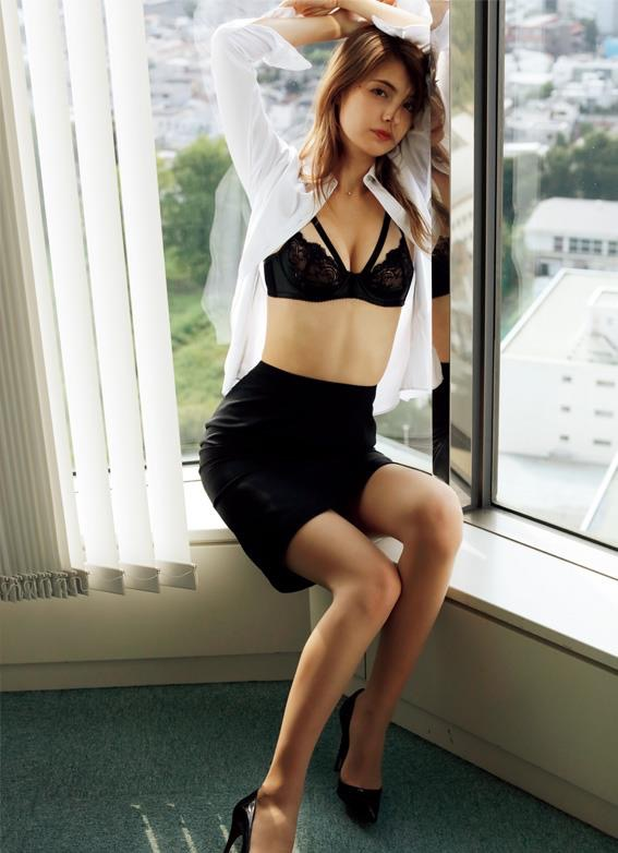 【マギーグラビア画像】高身長でスタイル抜群なハーフ美人モデルのセクシーなランジェリー姿 13