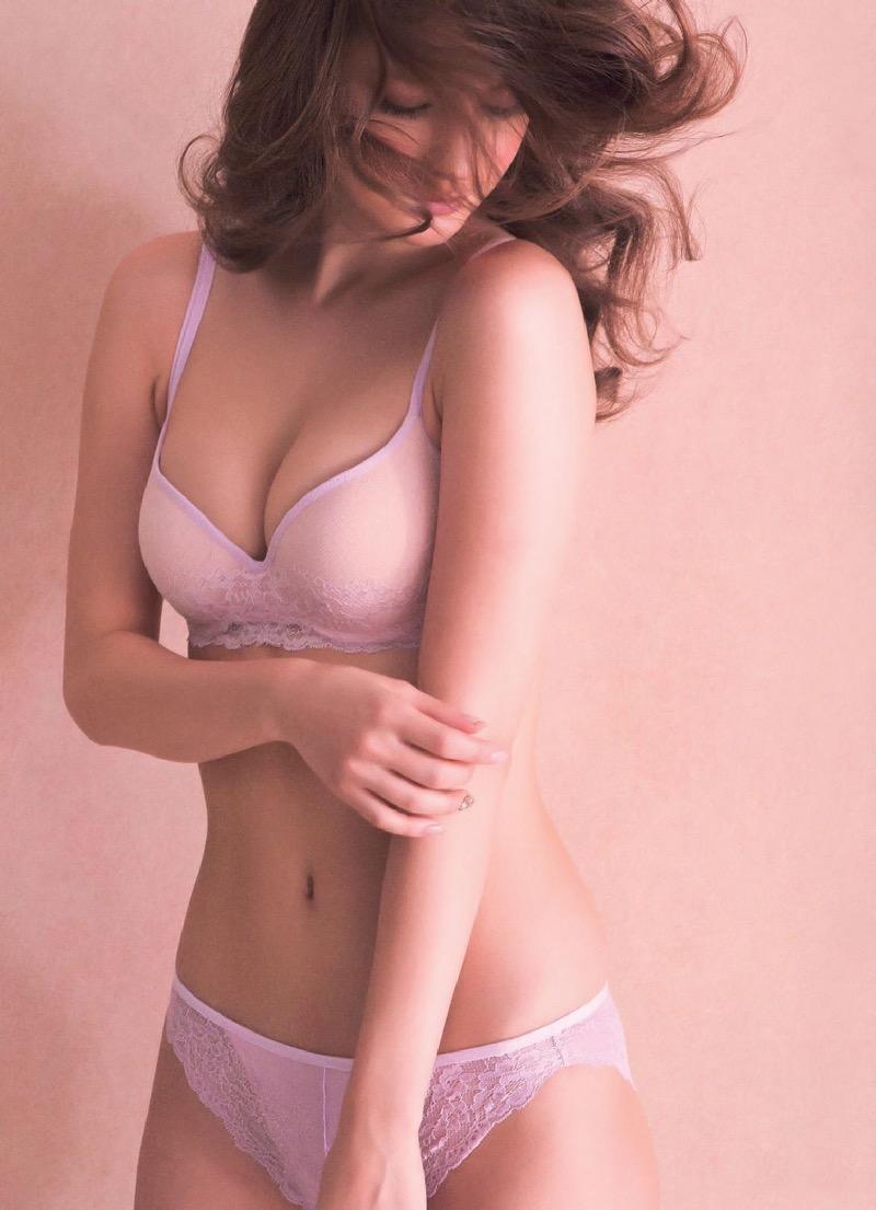 【マギーグラビア画像】高身長でスタイル抜群なハーフ美人モデルのセクシーなランジェリー姿 74