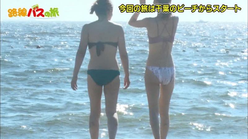 【放送事故ポロリ画像】際どい水着でテレビ出演したせいでオッパイとマンコが見えそうなんだがwwww 45