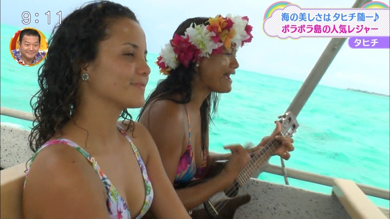 【放送事故ポロリ画像】際どい水着でテレビ出演したせいでオッパイとマンコが見えそうなんだがwwww 78