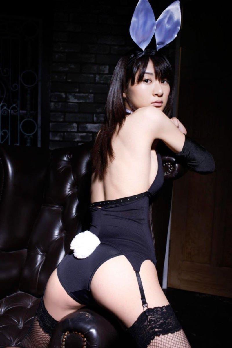 【バニーコスプレ画像】お耳がぴょこんと可愛らしくてセクシーなバニーコスプレ美女がエロい! 31