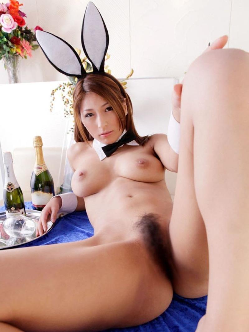 【バニーコスプレ画像】お耳がぴょこんと可愛らしくてセクシーなバニーコスプレ美女がエロい! 62