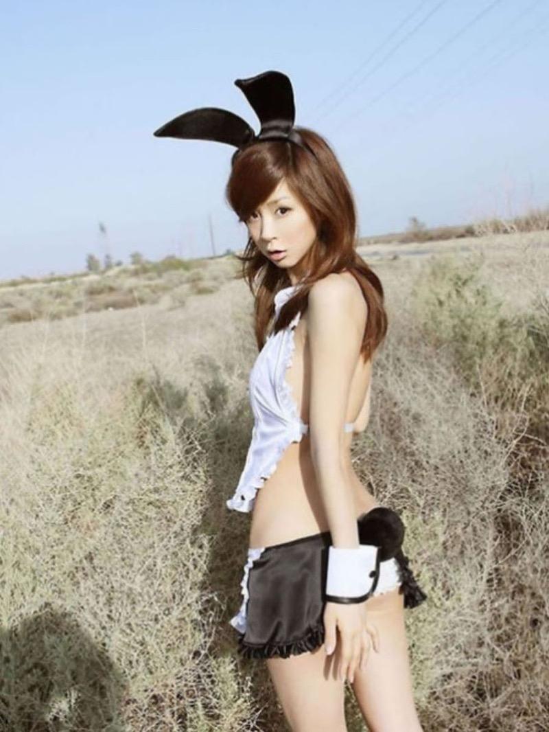 【バニーコスプレ画像】お耳がぴょこんと可愛らしくてセクシーなバニーコスプレ美女がエロい! 69