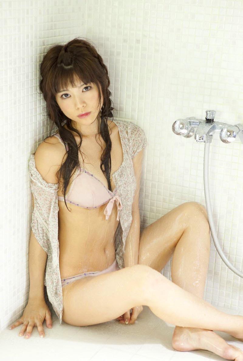【松川佑依子エロ画像】女子大生やOLとして働きながらグラドルやってたEカップ巨乳美女 40