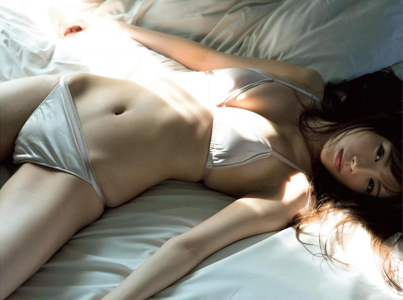 【松川佑依子エロ画像】女子大生やOLとして働きながらグラドルやってたEカップ巨乳美女 80