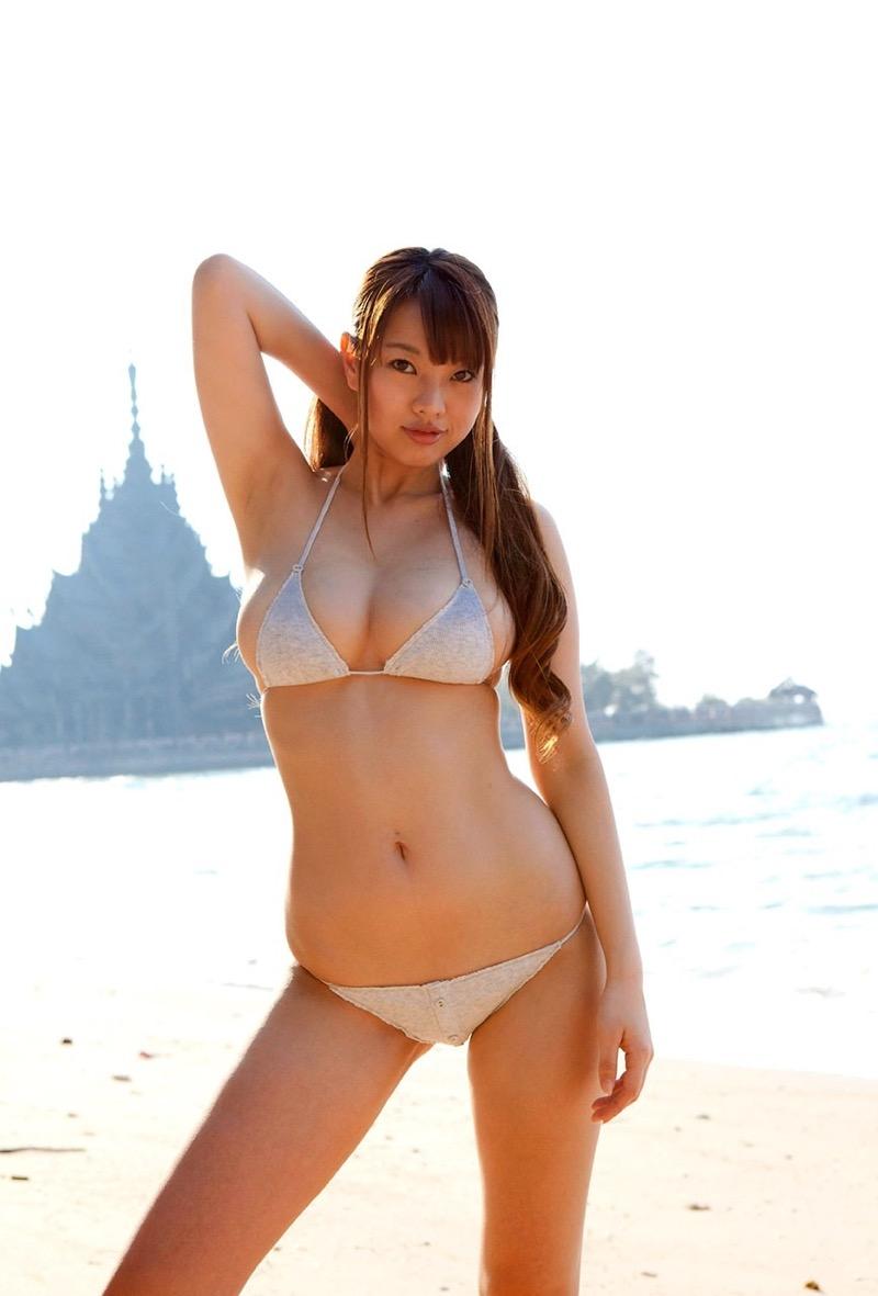 【松本さゆきグラビア画像】ぷっくりした厚めの唇が魅力的なGカップ巨乳のグラビアアイドル 54