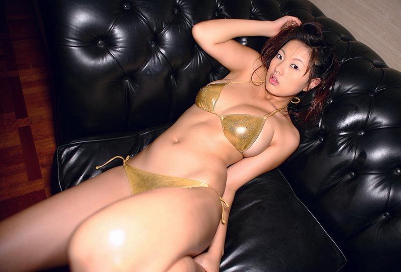 【松本さゆきグラビア画像】ぷっくりした厚めの唇が魅力的なGカップ巨乳のグラビアアイドル 66