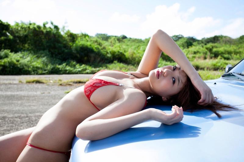 【松本さゆきグラビア画像】ぷっくりした厚めの唇が魅力的なGカップ巨乳のグラビアアイドル 73