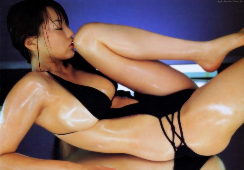 【松本さゆきグラビア画像】ぷっくりした厚めの唇が魅力的なGカップ巨乳のグラビアアイドル 79