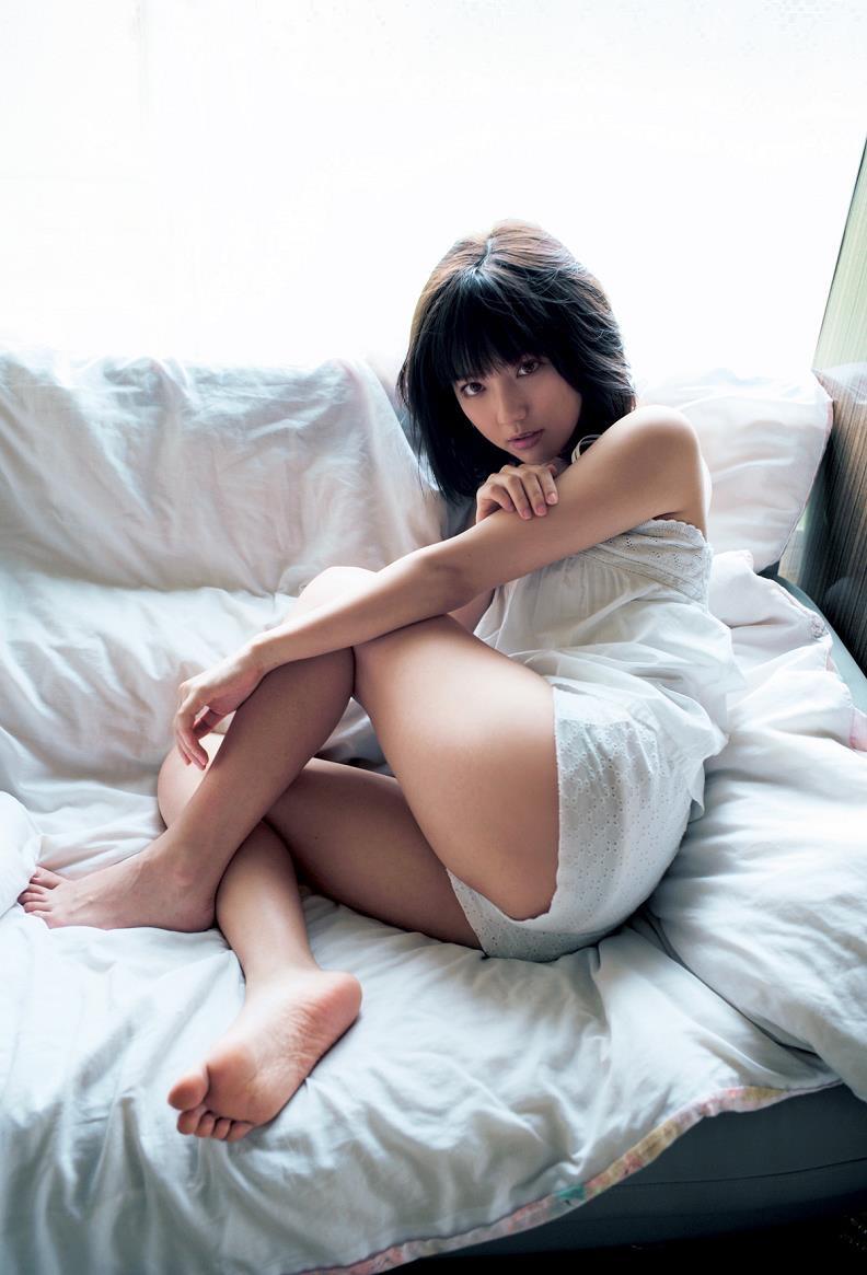 【真野恵里菜グラビア画像】元ハロプロ系アイドルのセクシーでちょっとエッチな水着姿! 05