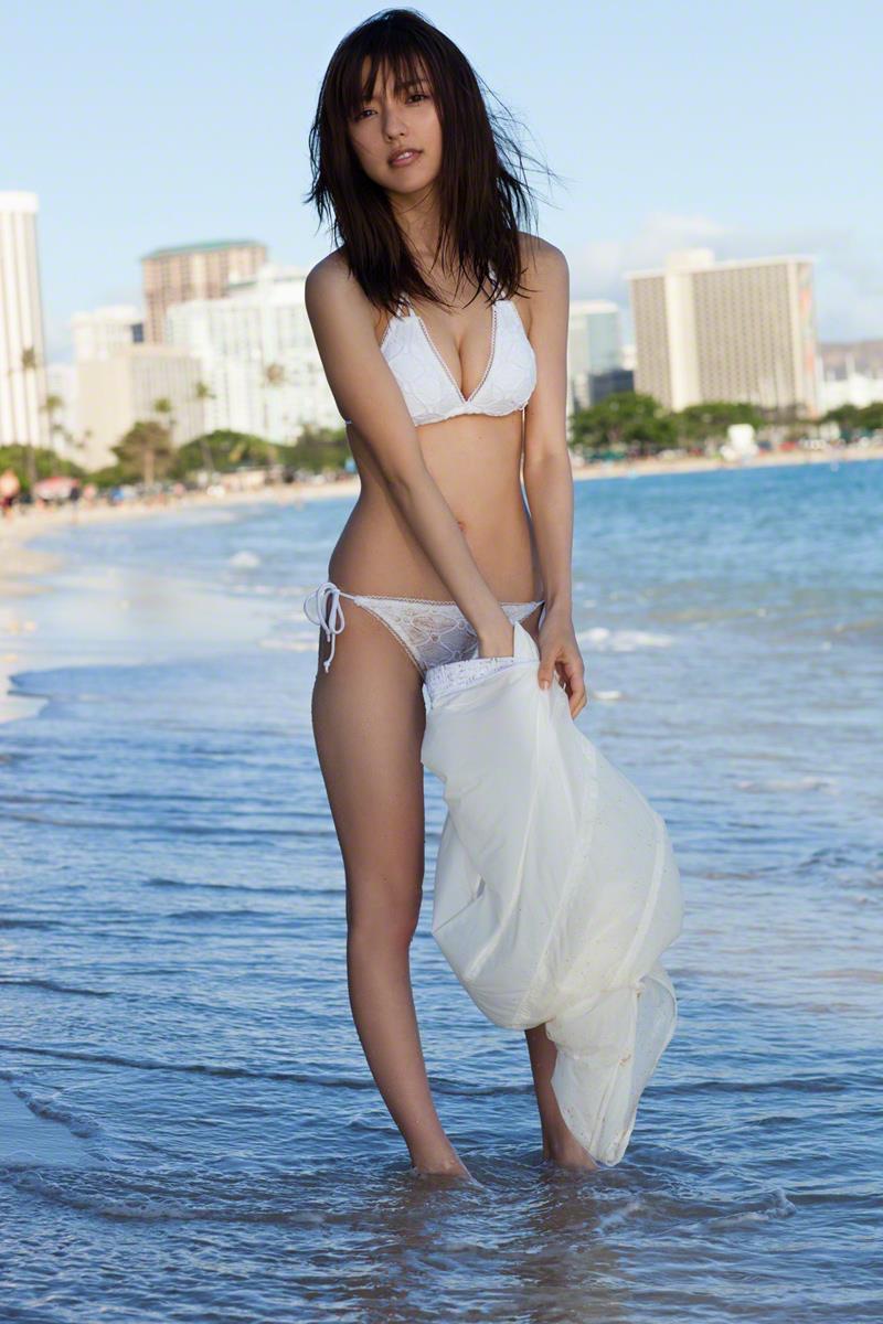 【真野恵里菜グラビア画像】元ハロプロ系アイドルのセクシーでちょっとエッチな水着姿! 18