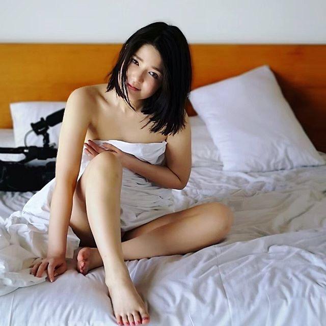 【古崎瞳エロ画像】30歳台で初めて撮ったイメージDVDを発売すると共にグラビア卒業を決意! 46