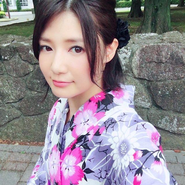 【古崎瞳エロ画像】30歳台で初めて撮ったイメージDVDを発売すると共にグラビア卒業を決意! 48