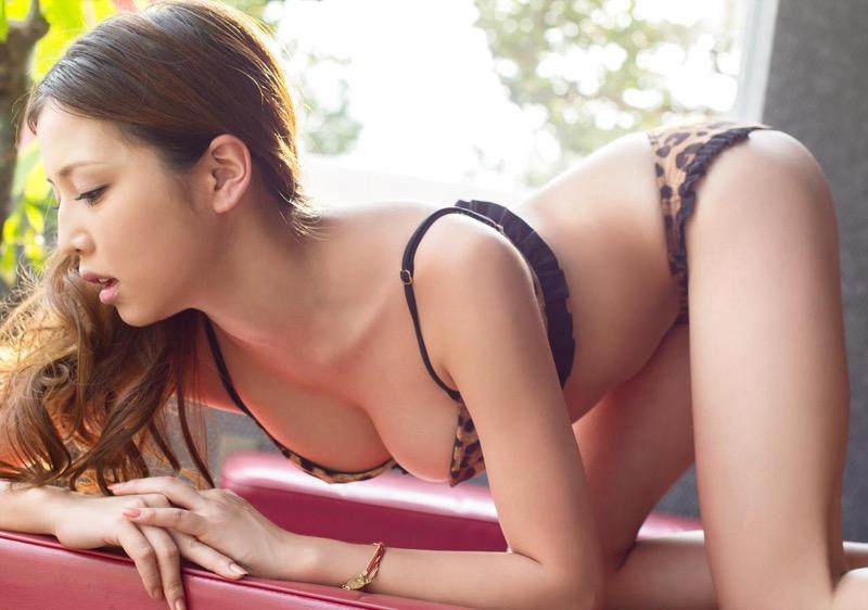 【丸高愛美グラビア画像】太めのウエストでもそれ以上に大きなお尻がとてもエロいEカップグラドル 76