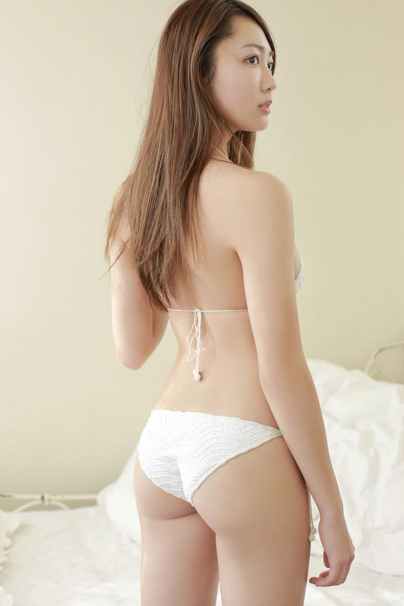 【みうらうみグラビア画像】ファッションモデルの綺麗なスレンダーボディと胸元のホクロがエロい! 21