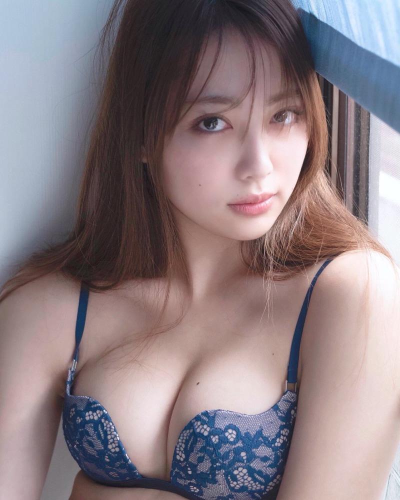 【みうらうみグラビア画像】ファッションモデルの綺麗なスレンダーボディと胸元のホクロがエロい! 41