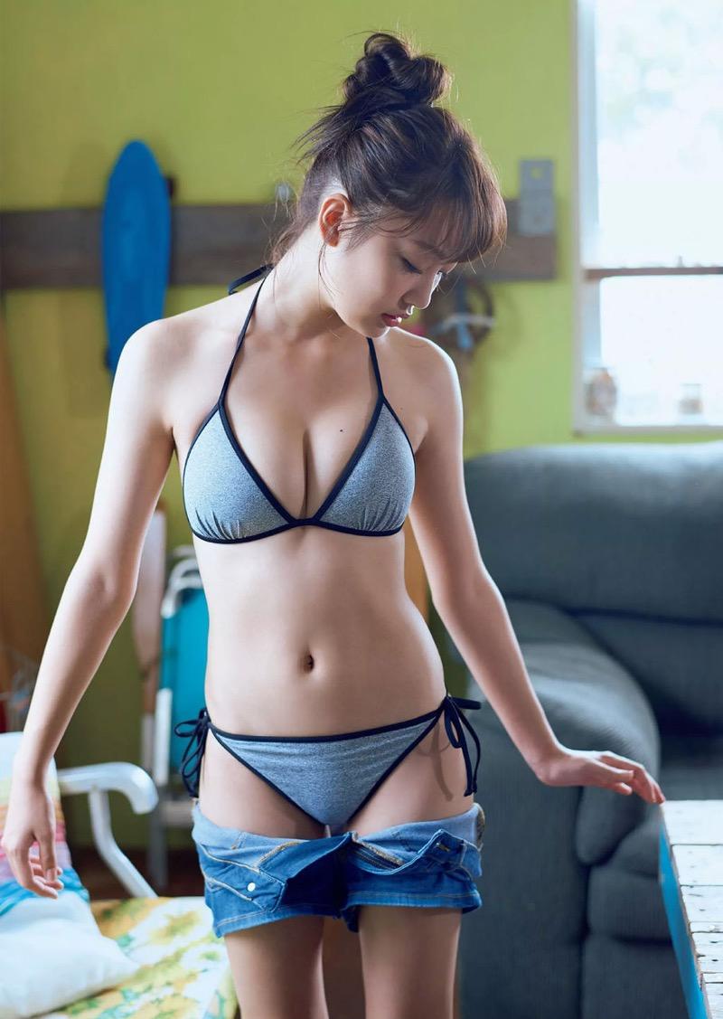 【みうらうみグラビア画像】ファッションモデルの綺麗なスレンダーボディと胸元のホクロがエロい! 46