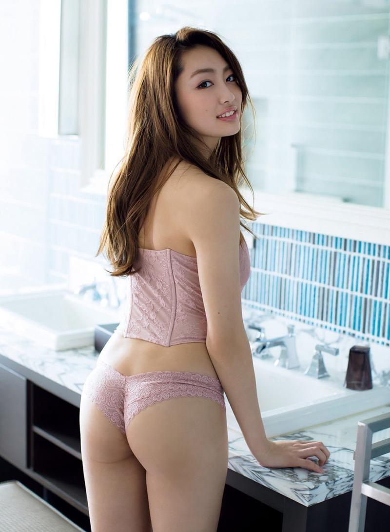 【みうらうみグラビア画像】ファッションモデルの綺麗なスレンダーボディと胸元のホクロがエロい! 48