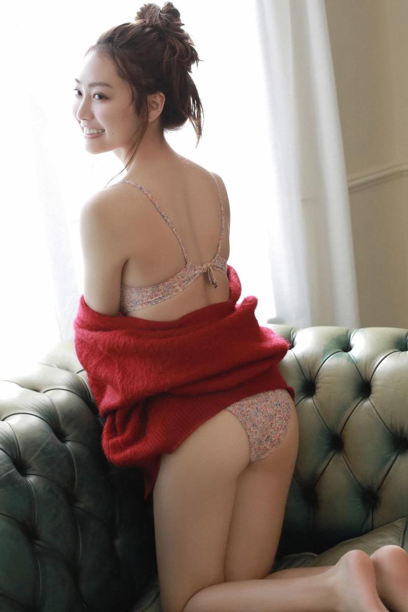 【みうらうみグラビア画像】ファッションモデルの綺麗なスレンダーボディと胸元のホクロがエロい! 57