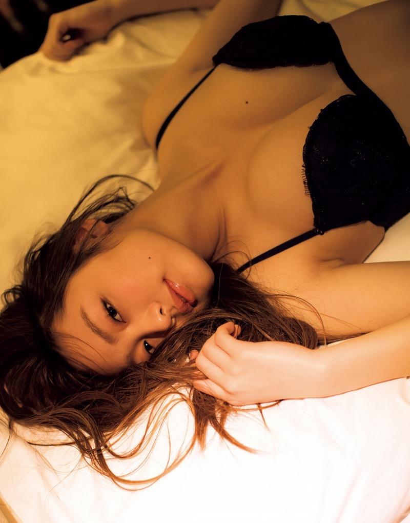 【みうらうみグラビア画像】ファッションモデルの綺麗なスレンダーボディと胸元のホクロがエロい! 66