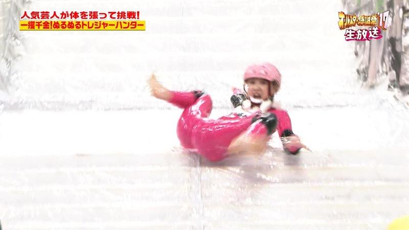 【放送事故画像】24時間テレビでおっぱいポロリしかけた鈴木奈々の大開脚が恥ずかし過ぎたwwww 28