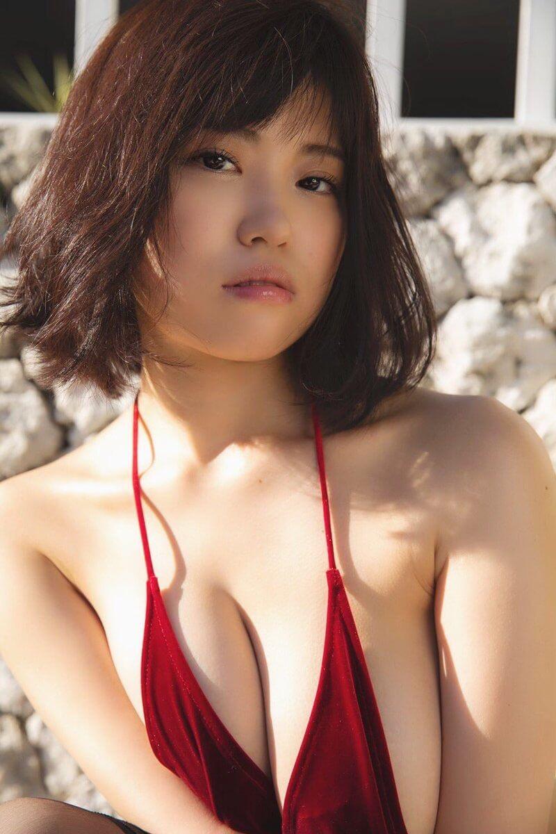 【麻亜子エロ画像】寄せたHカップ爆乳にチンコを突っ込んでパイズリ狭射したくなるグラビアアイドル 17