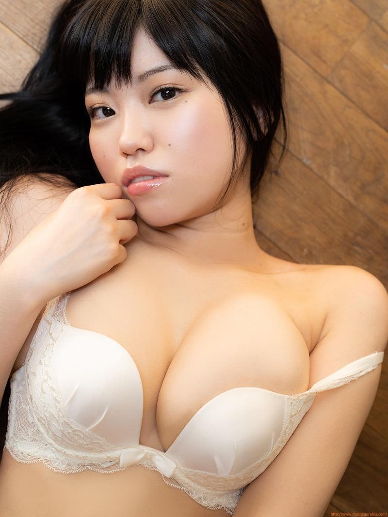 【麻亜子エロ画像】寄せたHカップ爆乳にチンコを突っ込んでパイズリ狭射したくなるグラビアアイドル 65