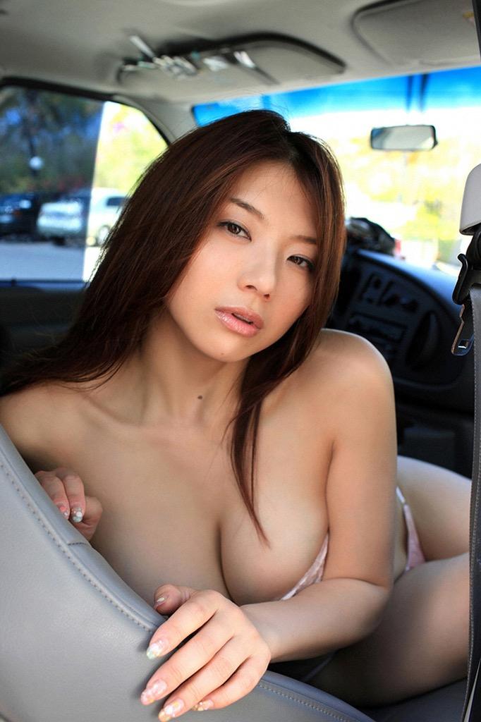 【相澤仁美グラビア画像】AV出演疑惑で干されてしまった爆乳グラドルは復帰を取るか家庭を取るか!? 23