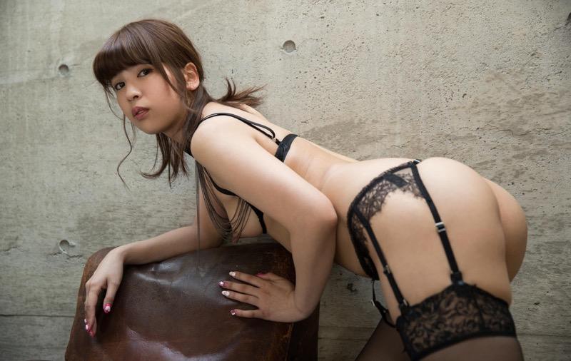 【ANRIエロ画像】ホスト遊びでまたもトラブルを起こして逮捕されたお騒がせな元芸能人AV女優 23