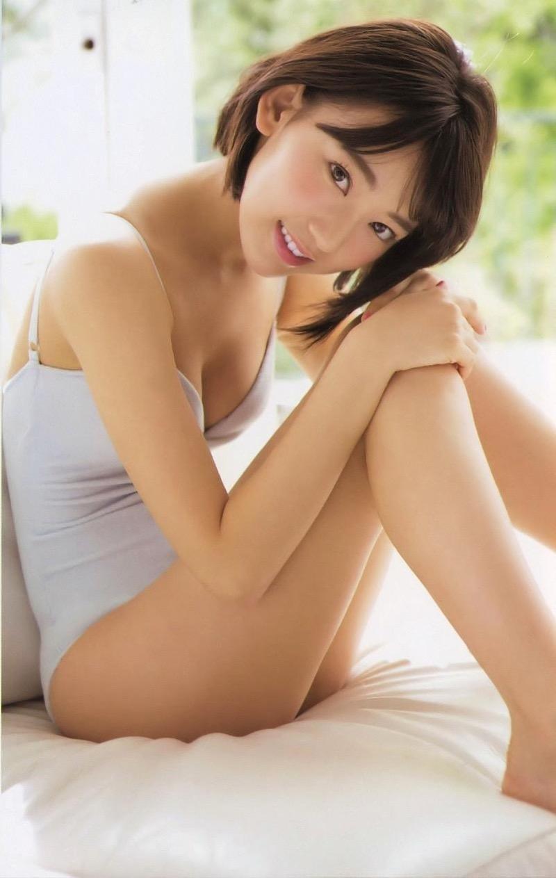 【宮脇咲良グラビア画像】透明感のある美肌がキレイな美少女系AKB48アイドルのエッチなビキニ姿 25