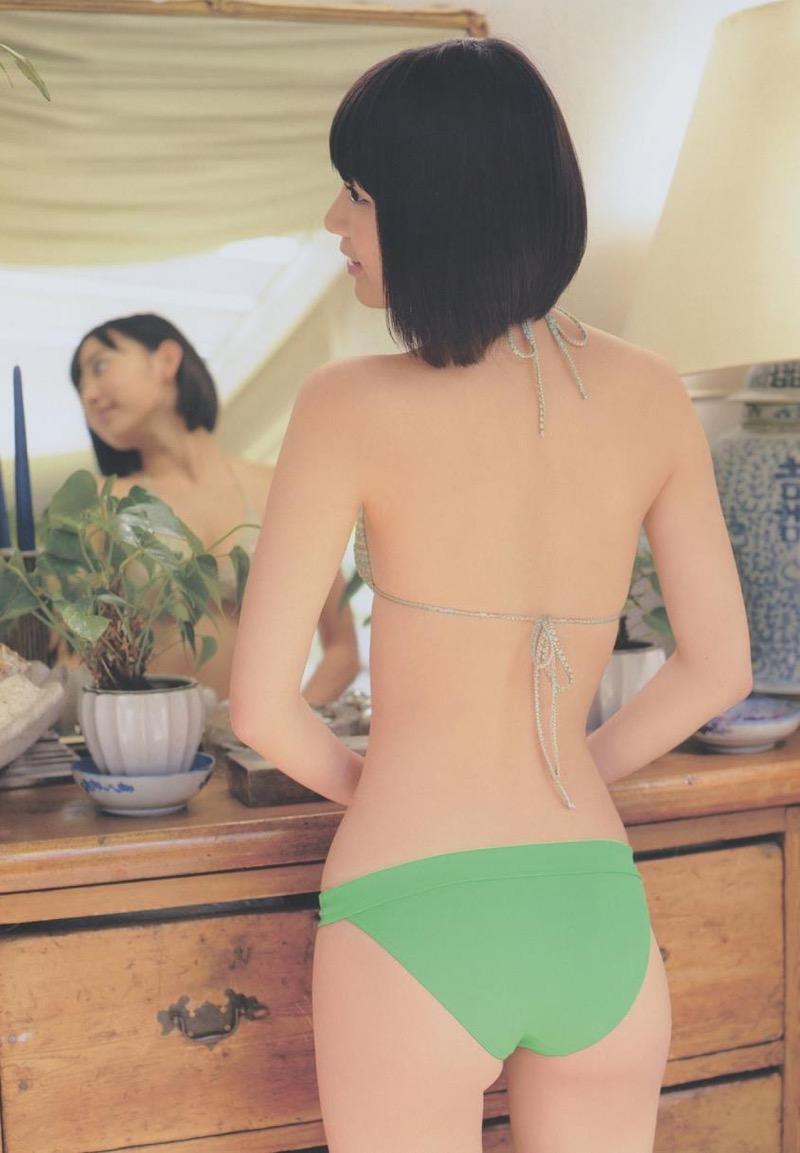 【宮脇咲良グラビア画像】透明感のある美肌がキレイな美少女系AKB48アイドルのエッチなビキニ姿 31