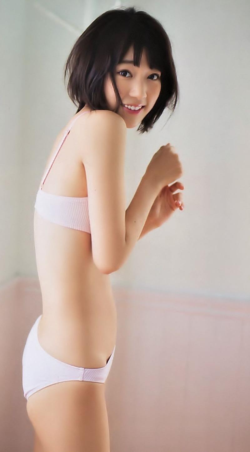 【宮脇咲良グラビア画像】透明感のある美肌がキレイな美少女系AKB48アイドルのエッチなビキニ姿 72