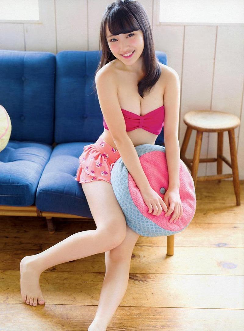 【向井地美音グラビア画像】AKB48の3代目総監督に任命された現役アイドルの谷間全開ビキニ! 05
