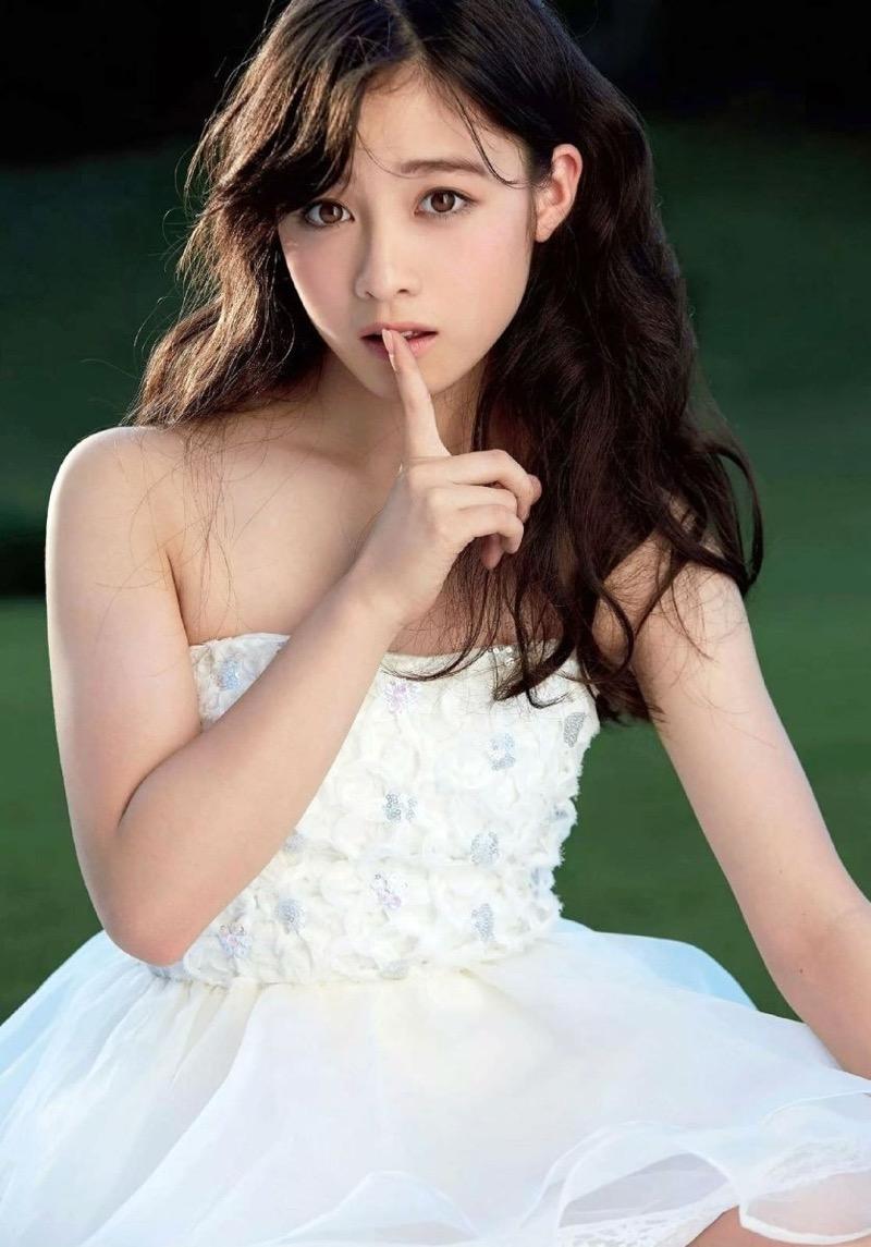 【橋本環奈グラビア画像】アイドル活動中に偶然撮られた1枚の写真で大ブレイクした奇跡の美少女 17