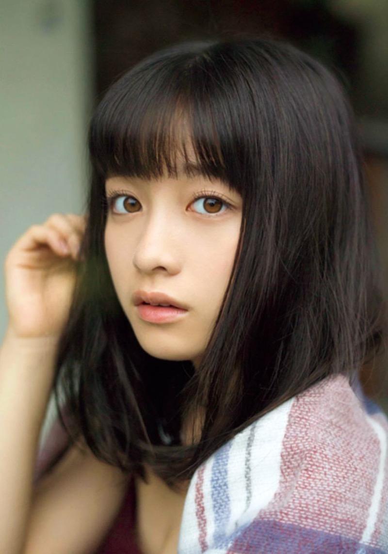 【橋本環奈グラビア画像】アイドル活動中に偶然撮られた1枚の写真で大ブレイクした奇跡の美少女 22