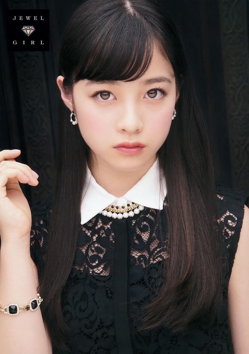 【橋本環奈グラビア画像】アイドル活動中に偶然撮られた1枚の写真で大ブレイクした奇跡の美少女 45