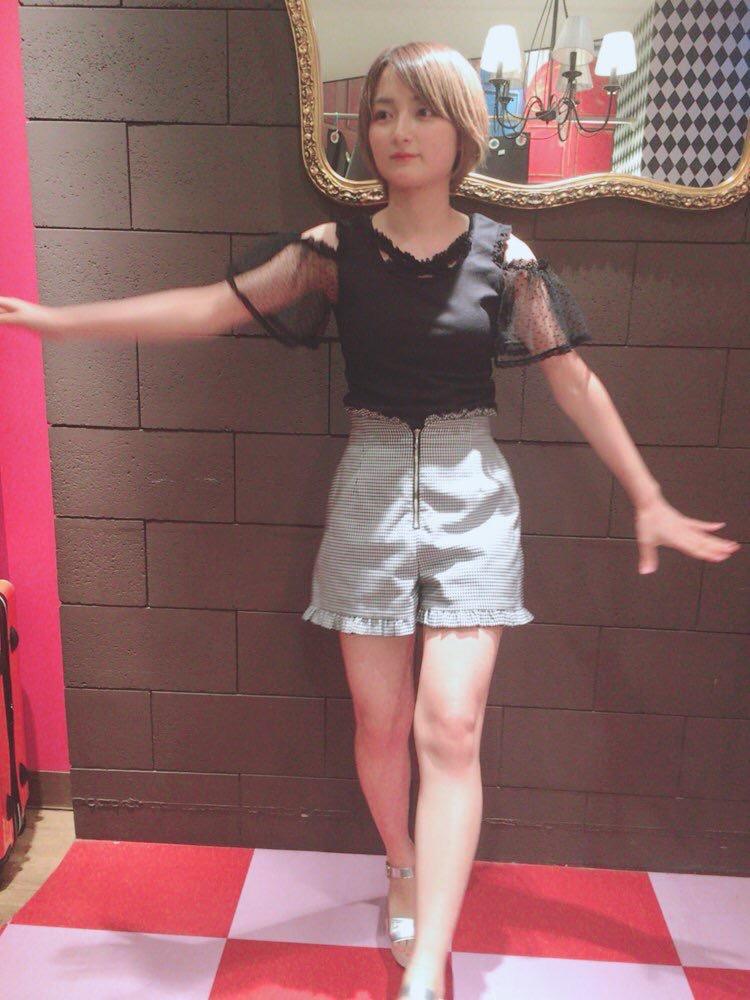 【宇佐美彩乃エロ画像】スレンダーな身体に意外と大きめなお尻がエッチなショートカットグラドル 14