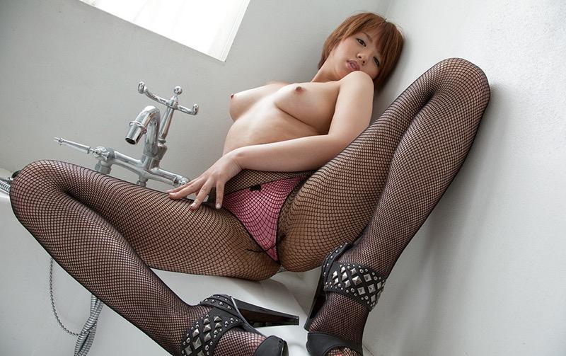 【ランジェリーエロ画像】網タイツが似合っているセクシーな美女達に俺のムスコが大悦びwwww