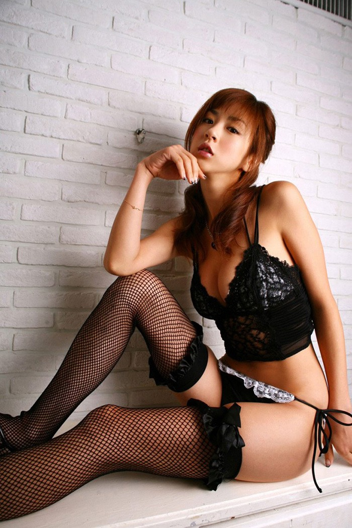 【ランジェリーエロ画像】網タイツが似合っているセクシーな美女達に俺のムスコが大悦びwwww 39