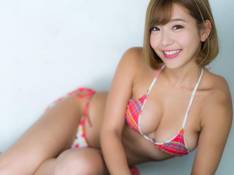 【COCOグラビア画像】ハメ撮りチャットがバレて引退した石原佑里子が改名してグラビア復活!