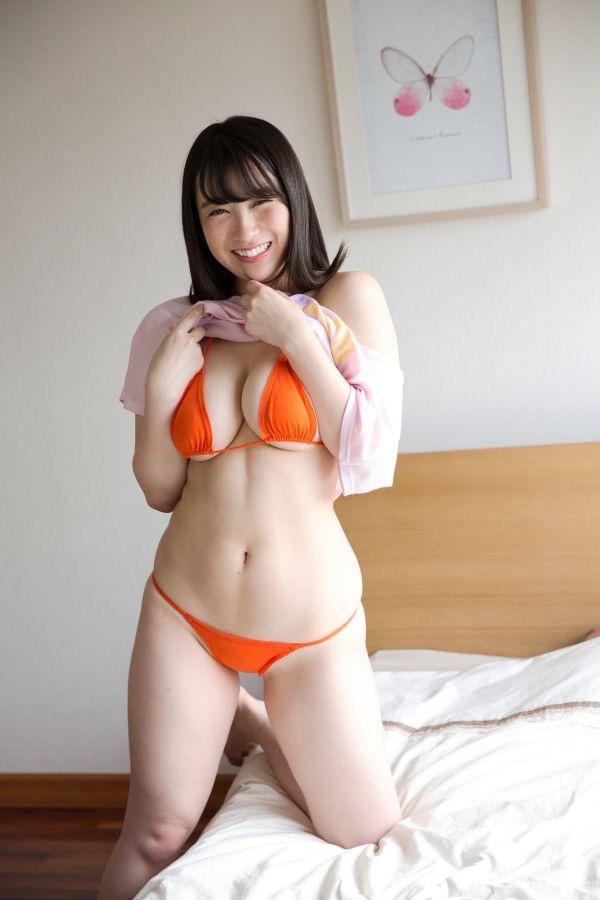 【紺野栞エロ画像】Hカップ爆乳が売りのグラビアアイドルがカップ数を縮める手術を受けるってマジかwwww 34