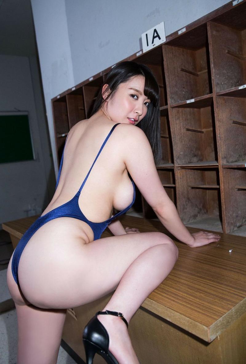【紺野栞エロ画像】Hカップ爆乳が売りのグラビアアイドルがカップ数を縮める手術を受けるってマジかwwww 63