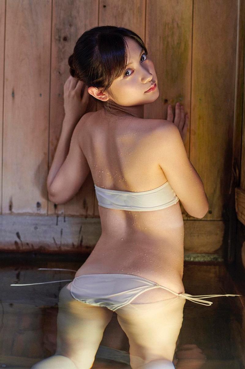 【桃月なしこグラビア画像】素人コスプレイヤーからグラドルデビューした現役看護師の巨乳お姉さん 21