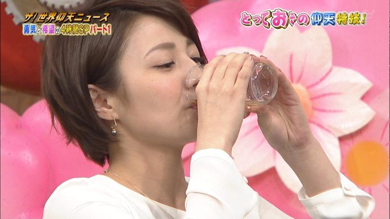 【放送事故画像】日テレ女子アナの久野静香さん太ももを見せたりヤバい表情を画面に晒してしまうwwww 07