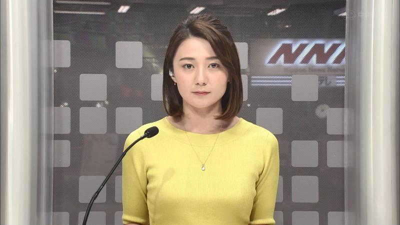 【放送事故画像】日テレ女子アナの久野静香さん太ももを見せたりヤバい表情を画面に晒してしまうwwww 44
